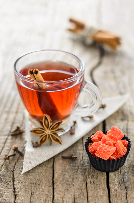 fot. Marta Reszka © 2015. Red tea with anise and cinnamon.